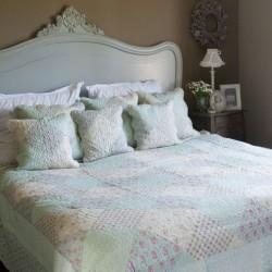 Patchwork ágytakaró - világoskék, virágmintás (180*260)