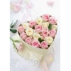 Virágdoboz közepes, szív alakú, szatén rózsákkal